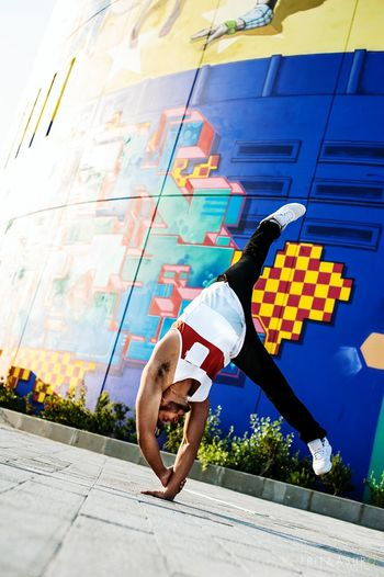 Middle of the dessert, and the first to bless this spot!!! Yas Island the One Hello World Check This Out Bboy Freeze Bboying Circus Capturing Movement Capoeira Time Graffiti Art Uae,abudhabi Uaeart