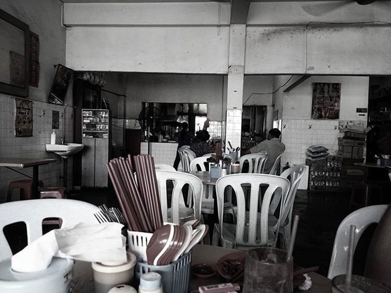 懷舊的茶餐廳……