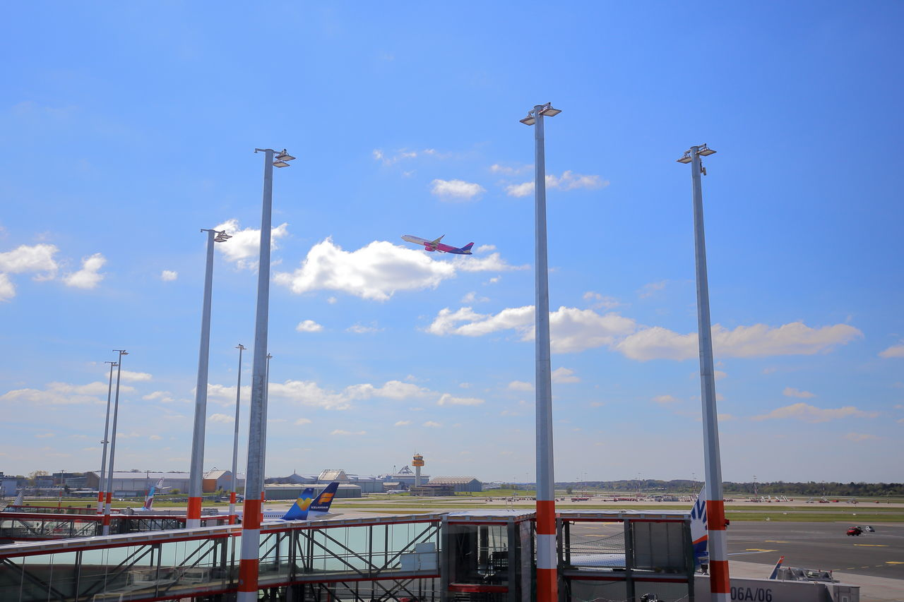 Aircraft Airplane Airport Apron Copy Space Enjoying Life Eye4photography  EyeEm Best Shots Farewell Flying Gate Getting Inspired Hello World Journey Lamps Minimalism No People Outdoors Plane Ramp Sky Starting Take Off Travel Vertical
