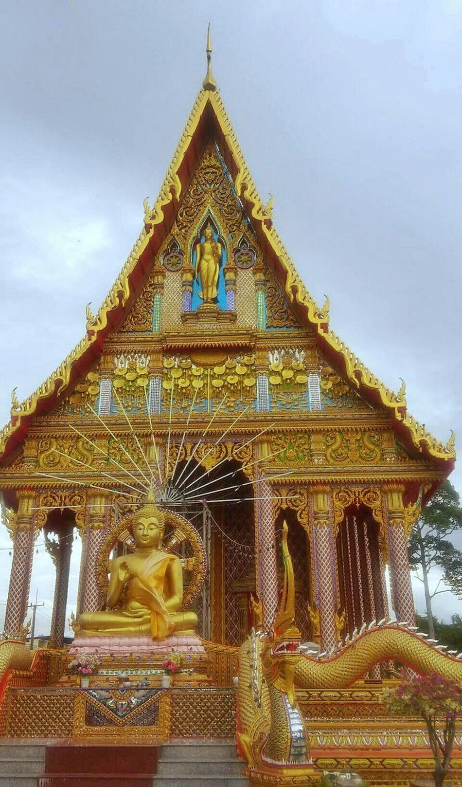 Temple in Thailand Gold Statue Temple Temple In Thailand Religion Gold Colored Architecture Spirituality Spiritual Place Sculpture Bangkok Bangkok Thailand Thailand Outdoors King Buddhism Pray Love Peacefull Buddha Buddha Statue Golden Temple Monks Religious  Sights