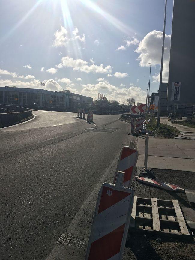 Tijdelijke Halte In Adam Noord! Check This Out Amsterdam Amsterdamcity Arrow Pff