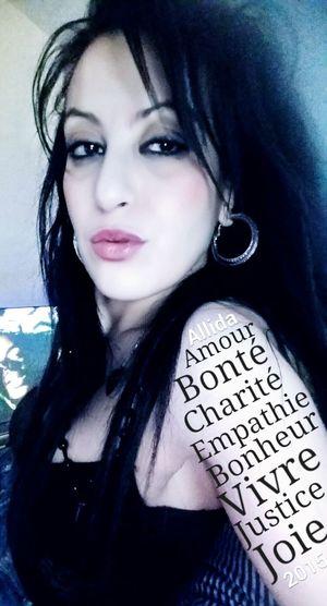 Allida Amour bonté charité empathie bonheur vivre First Eyeem Photo
