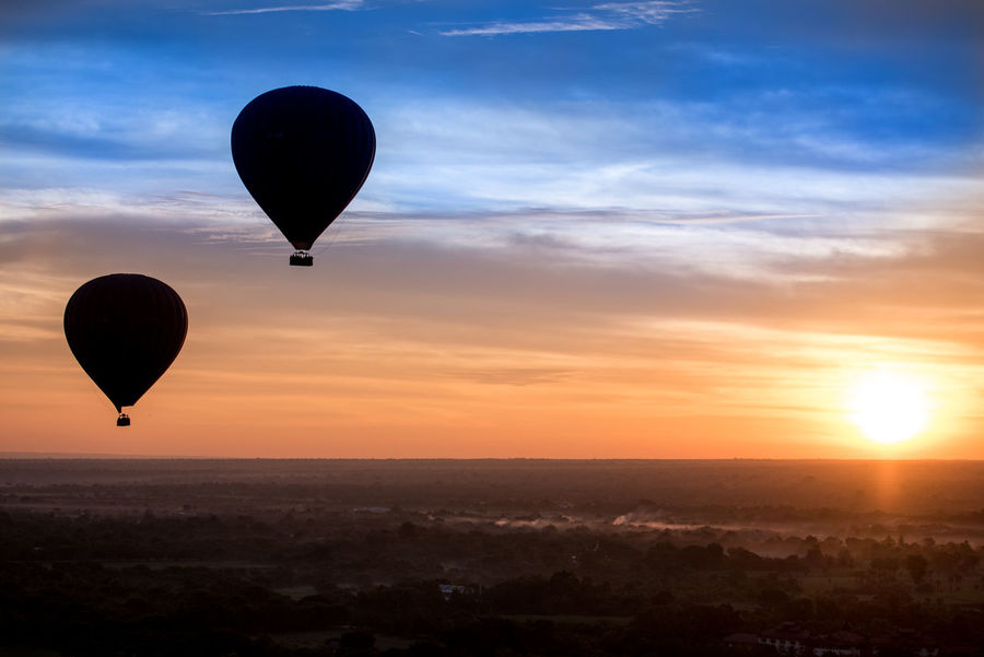 Cloud - Sky Flying Hot Air Balloon Hot And Cold Mid-air Racing The Sunrise Sky Sun Travel Destinations Two Is Better Than One Two ıs Better Than One