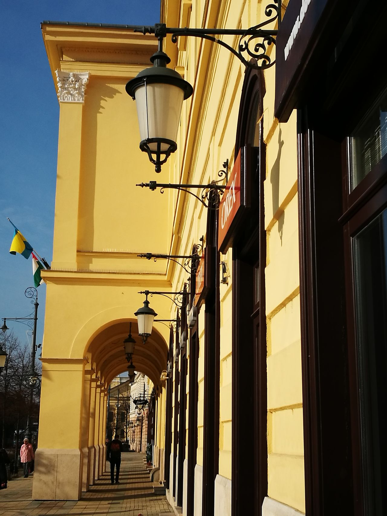 Debrecen Mayor Office Old Buildings Yellow Lamp Main Street Main Square Hometown HuaweiP9