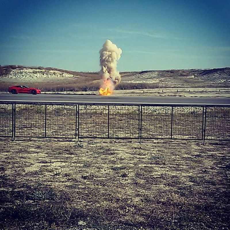 Feel like in an action movie ..Like Fast& Furious' Car Racing Fire Red Yesterday Show Gösteri Action
