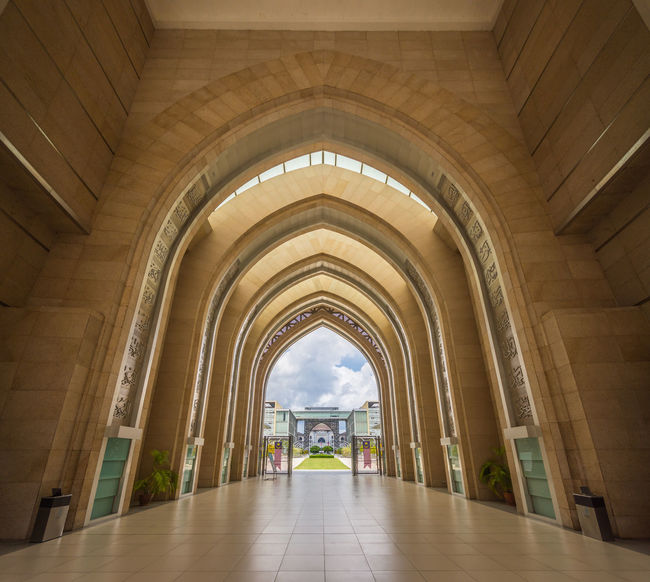 Interior view of Tuanku Mizan Zainal Abidin Mosque alley. Architecture Islamic Design Design Interior Interior Design Islamic Islamic Architecture Malaysia Mosque The Week On EyeEm