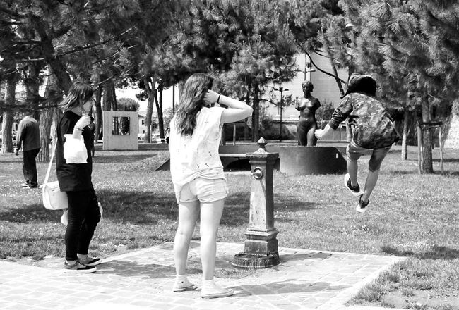Monochrome Photography Jump! Jumpshot Captured Moment Capture The Moment Bnw_captures Street Black And White The Essence Of Real People Street Photo Streetphotographer Real People Black And White Photography Street Photography Urban Life Street Scenes Streetphoto People Around You