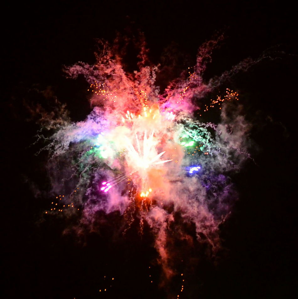 Colour Of Life Nightfire Nightfireworks Feuerwerk Colorexplosion Firework Fireart Explosions In The Sky Explosion Nightcolors Colorful Bigbang Colorporn Colorsplash