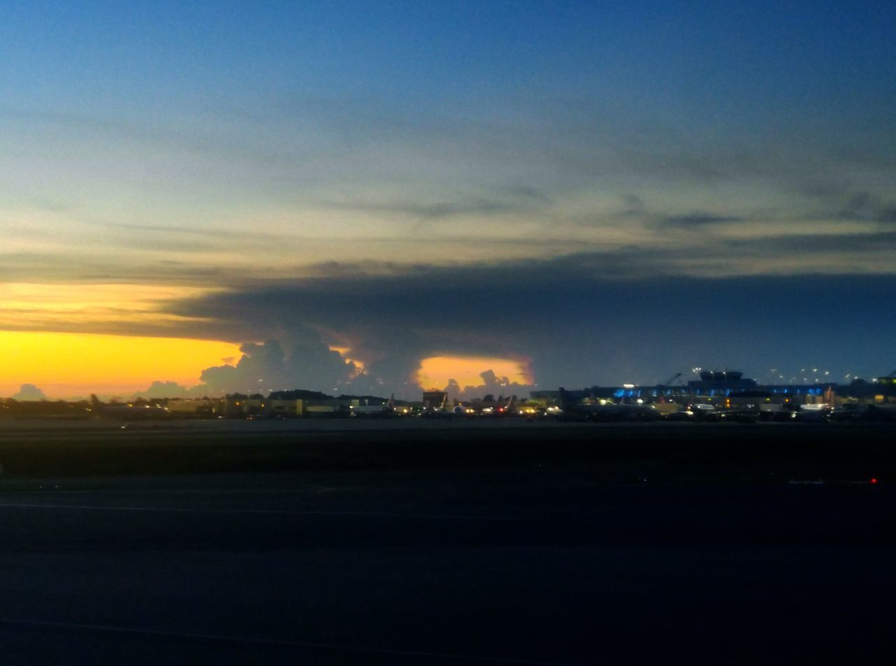Eyeemphoto Cloud - Sky Multi Colored Colorful Sky Charlotte Douglas International Airport Distant Illuminated