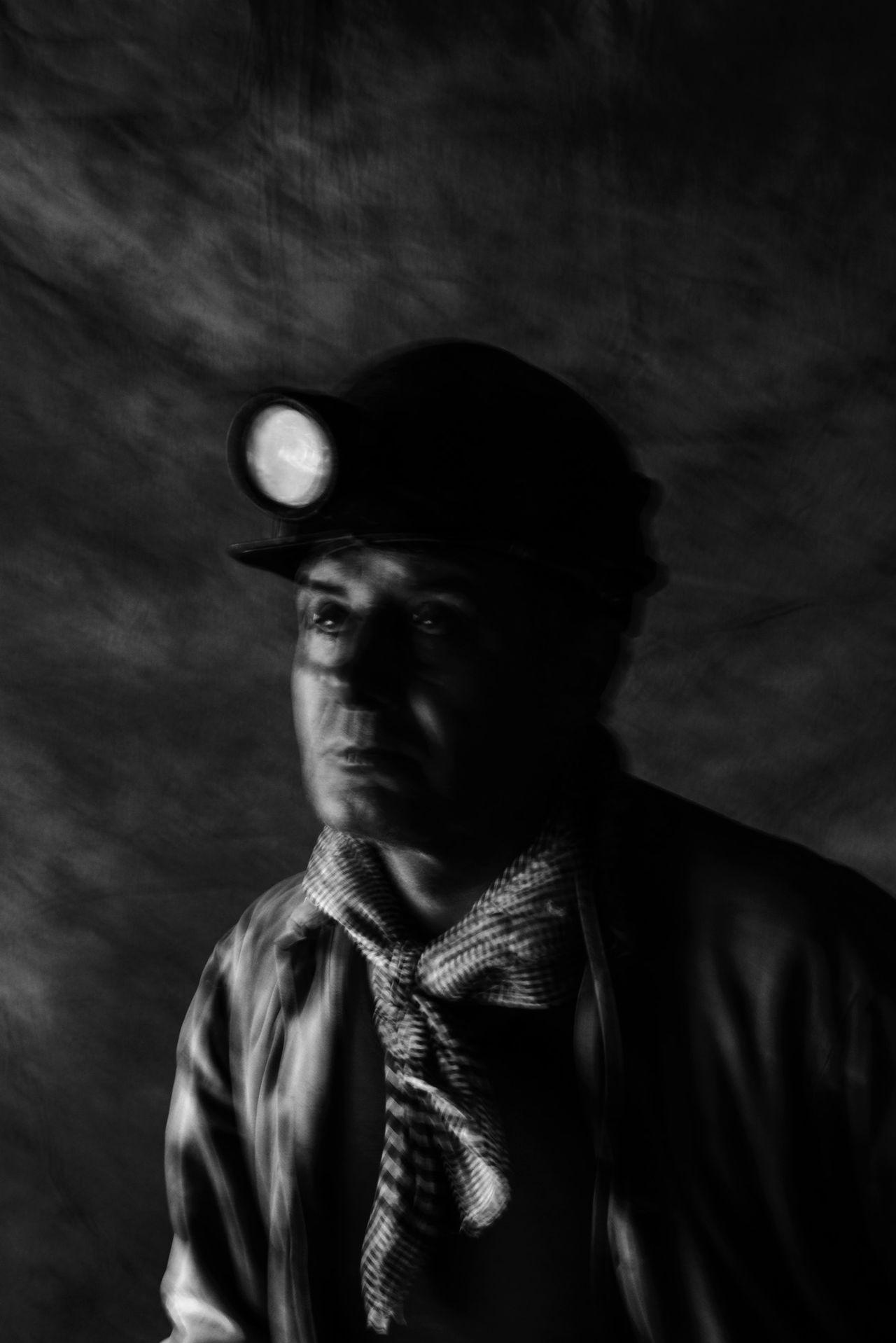 Black And White Dark Miner Mineworkers Monochrome People Portrait The Portraitist - 2017 EyeEm Awards Worker