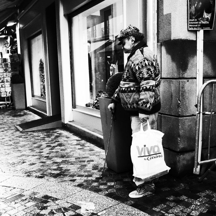 Noir Et Blanc Blackandwhite Building Exterior Built Structure Day Full Length One Person Outdoors Real People Street Photography Streetphotography