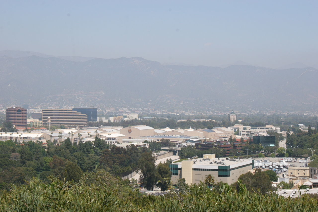 View from Universal City to Warner Brothers Studios Architecture Building Exterior Built Structure City Cityscape Community Day High Angle View Hollywood House Mountain Movie Studios Nature No People Outdoors Residential Building Sky The WB Town Tree Universal Studios Hollywood Universal Studios Tour Vista Warner Brothers Studios Wb