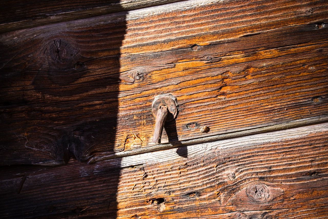 Carved Wood Dolomites, Italy Doors Italia Old Buildings Outdoors Shadow Textured  Wood - Material