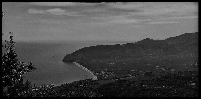 2nd day of travel ✌️ - 520 km Alba Adriatica to Matera - Panorama of the Gargano - East coast of Italy Panorama Traveling TheMinimals (less Edit Juxt Photography) Bw_collection Monochrome Blackandwhite Streetphoto_bw Bw_lover Blackandwhite Photography EyeEm Best Shots
