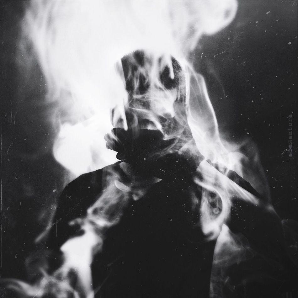 Emission Blackandwhite Portrait Surrealism Mextures Selfportrait Monochrome NEM Black&white Shootermag