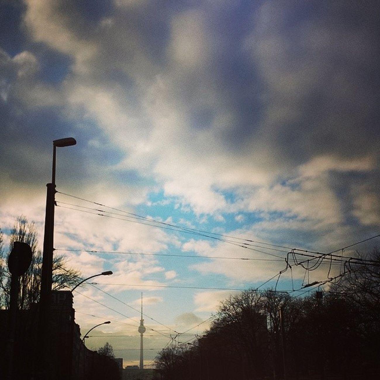 Berlincalling Bluesky Clouds Guteaussichten