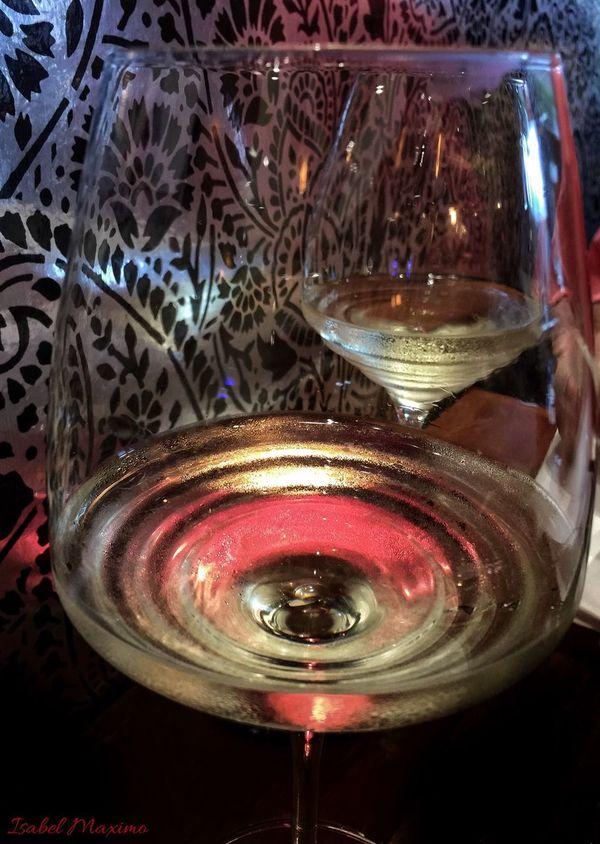 @izzymaxie Beautiful reflection on the wine glass Wine Moments No People Close-up Wineglass Wine Time Winelover Wine Collection EyeEm Best Shots EyeEm Gallery Eyemphotos Eyemphotography EyeEm The Best Shots