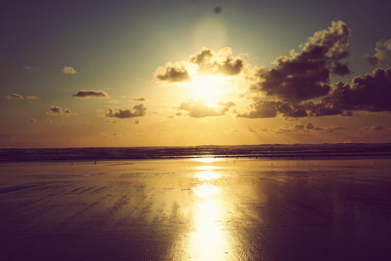 OtherMindMedia Cannon Beach Eclipse Waterfront Nautical Sunset #sun #clouds #skylovers #sky #nature Beautifulinnature Naturalbeauty Photography Landscape [a: