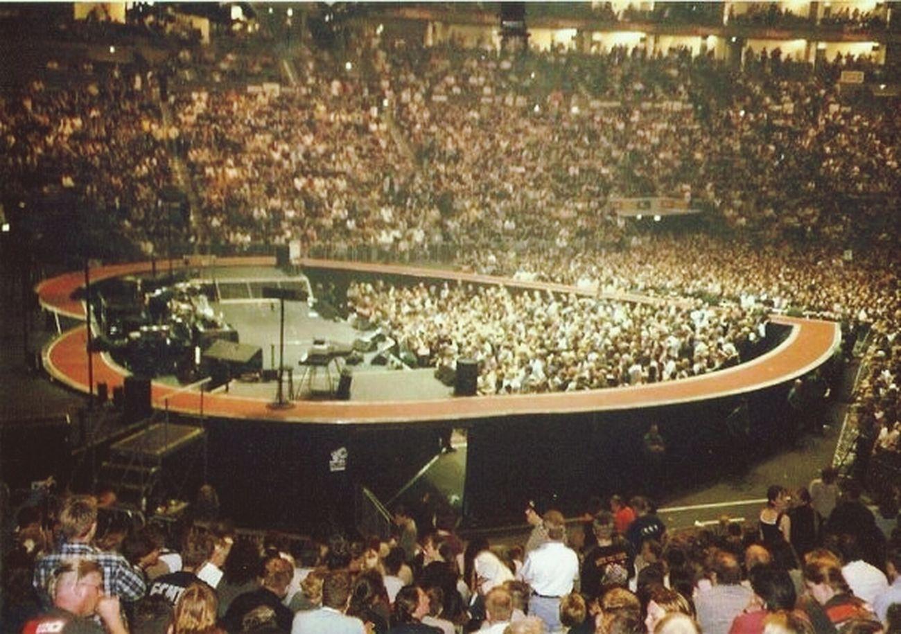 Bandswelove U2 Elevation Tour, Cologne 2001