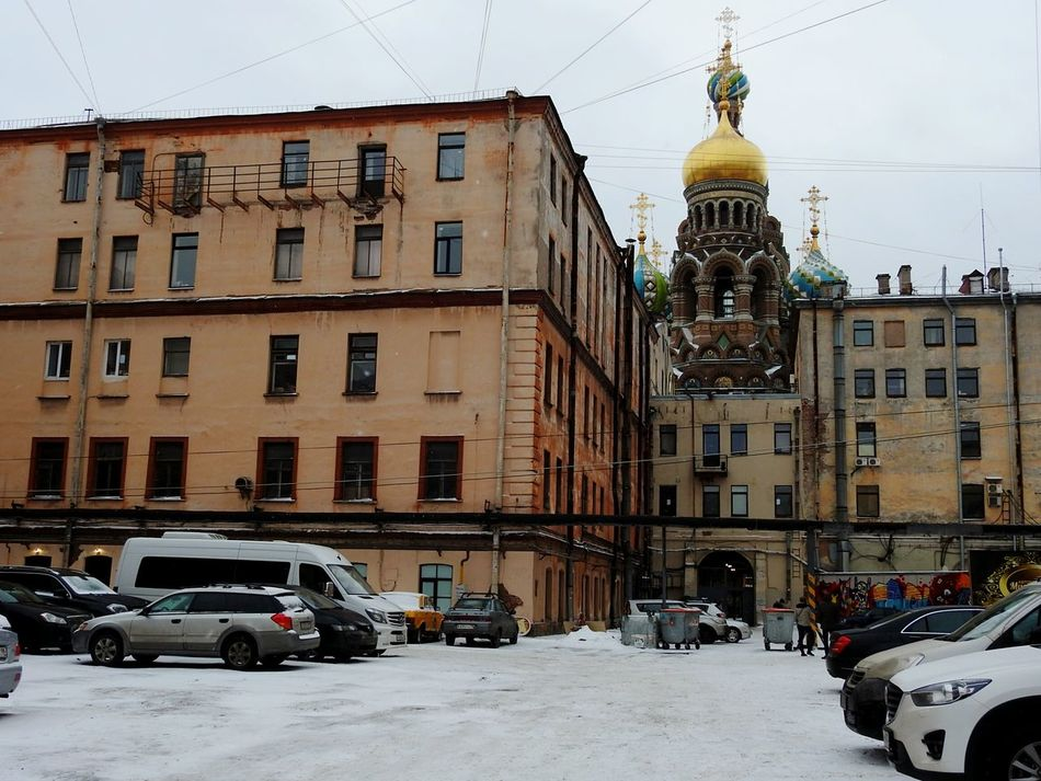 City Built Structure Church Winter Snow Architecture Cold Temperature Snowing Cityscape Day Travel Destinations City Street St.Peterburg Yards Streetphotography Winter Colors Of Sankt-Peterburg Sankt-Petersburg Russia
