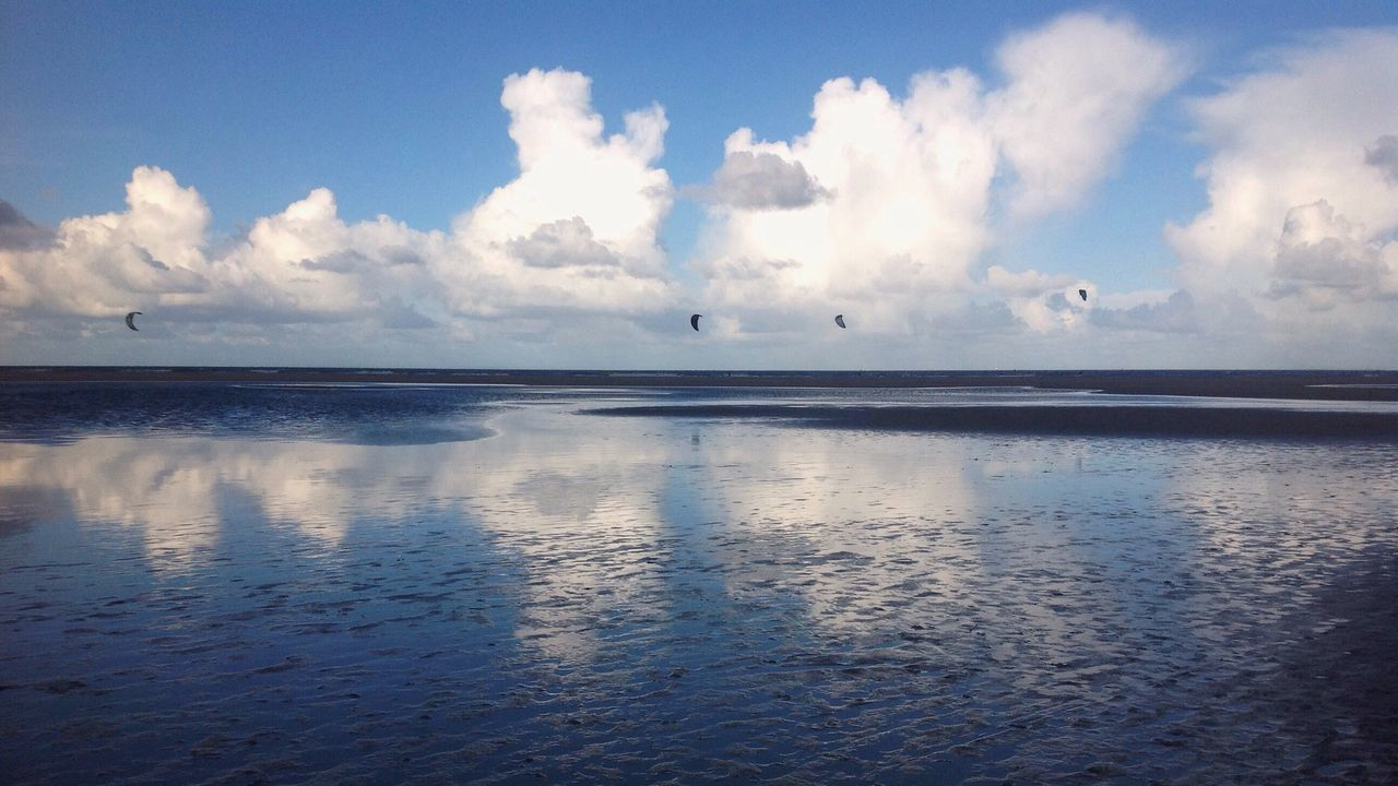 Sea Sky Nature Scenics Tranquility Water Horizon Over Water Tranquil Scene Cloud - Sky Outdoors No People Day Beauty In Nature Beach Reflection