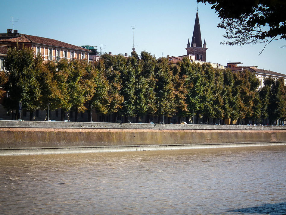 Adige Architecture Building Exterior Built Structure Day Fiume Fluss Italia Italie Italien Italy Italy❤️ Italy🇮🇹 Nature No People Outdoors River Sky Tree Verona Water