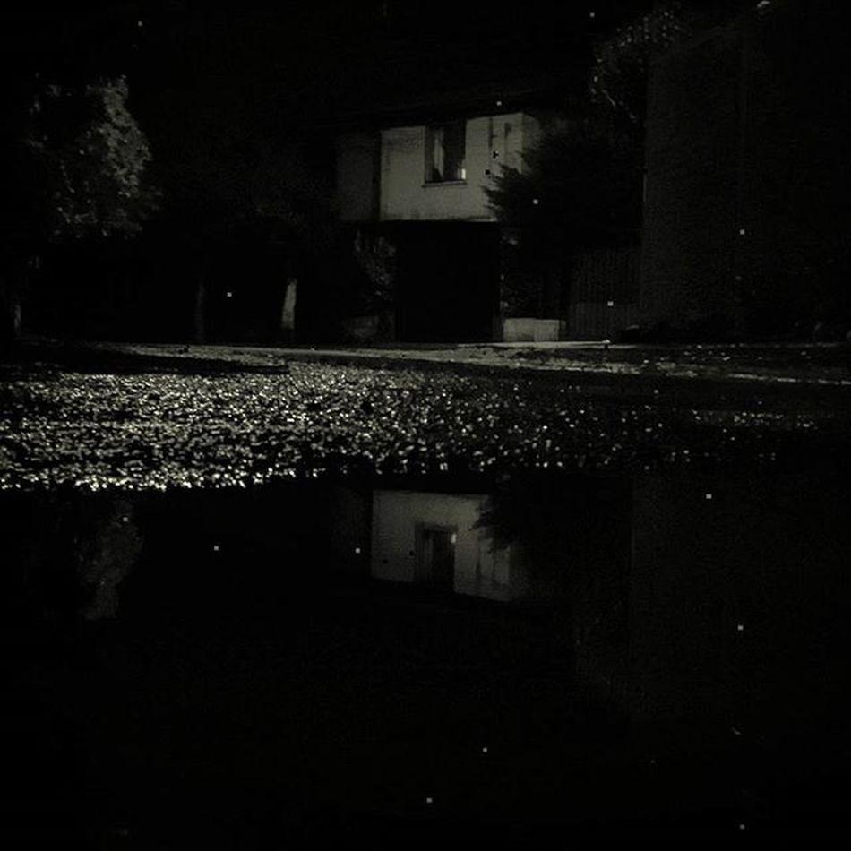 Ya basta de andar en la calle... calles oscuras para esconder mis ojos rojos. Tribukuruta OjosRojos Decazadorapresa