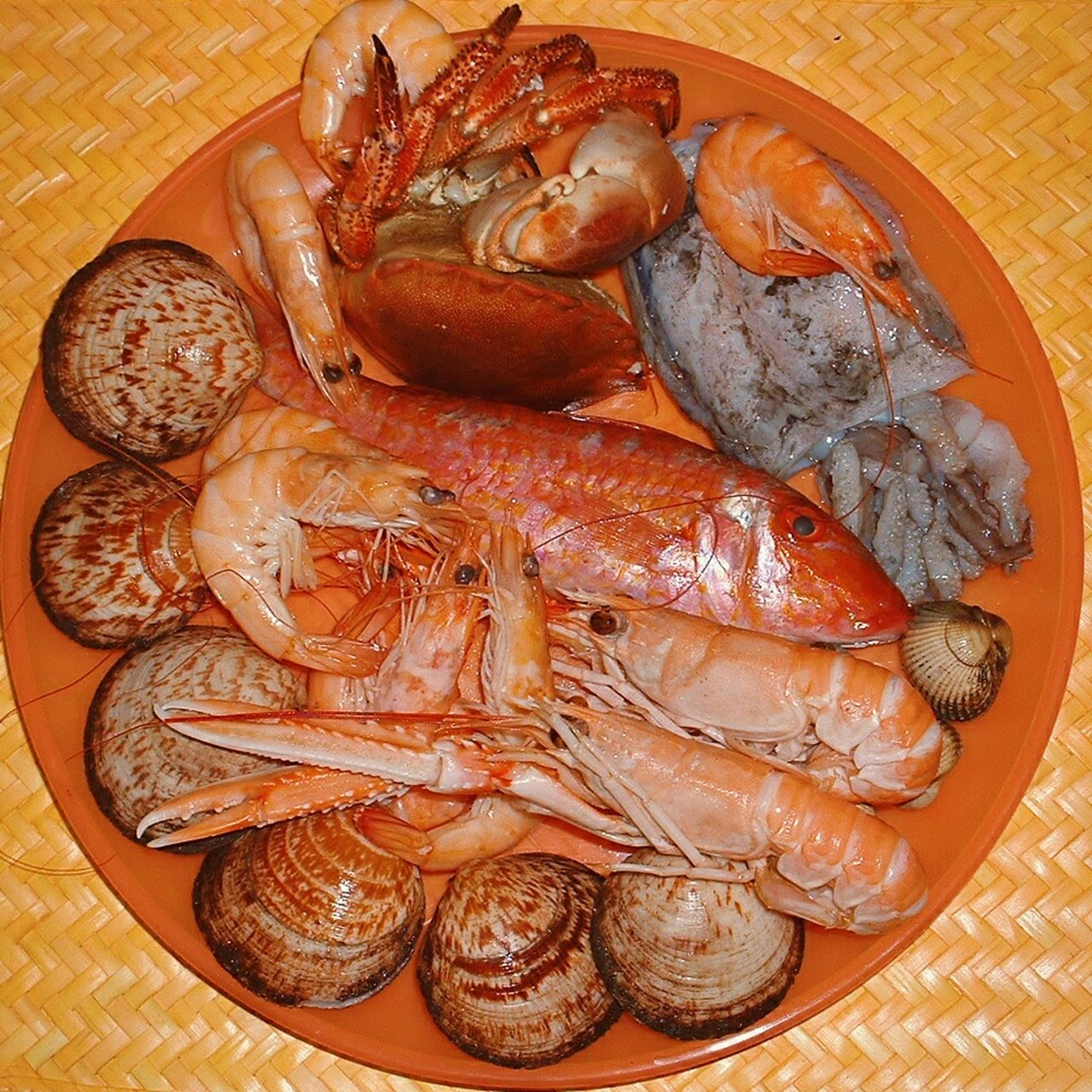 """""""Ready to cook SEAFOOD🐡 Seafoods Shrimps, Fish for a """" Dinner Date"""". Food Coolpix Eyeemfilter"""