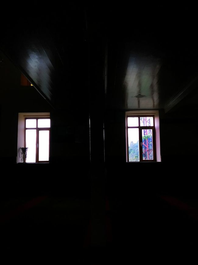 Window Pencere Karanlık Black And White Black Dark Aydinlik PhonePhotography Photography Taking Photos