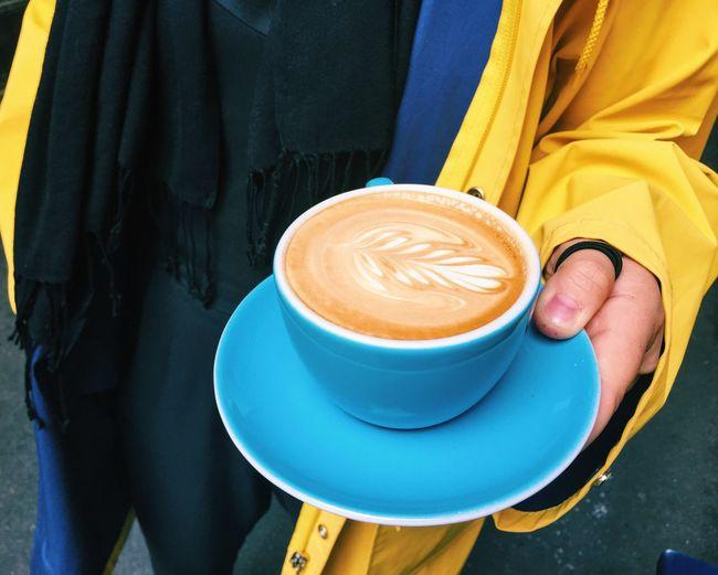Coffee Coffee Time Flat White Coffee Coffee ☕ Coffee Break Coffee Cup Yellow Coat Raincoat Nice Weather For Ducks Latte Art Latte Art-side Swan Done By Me