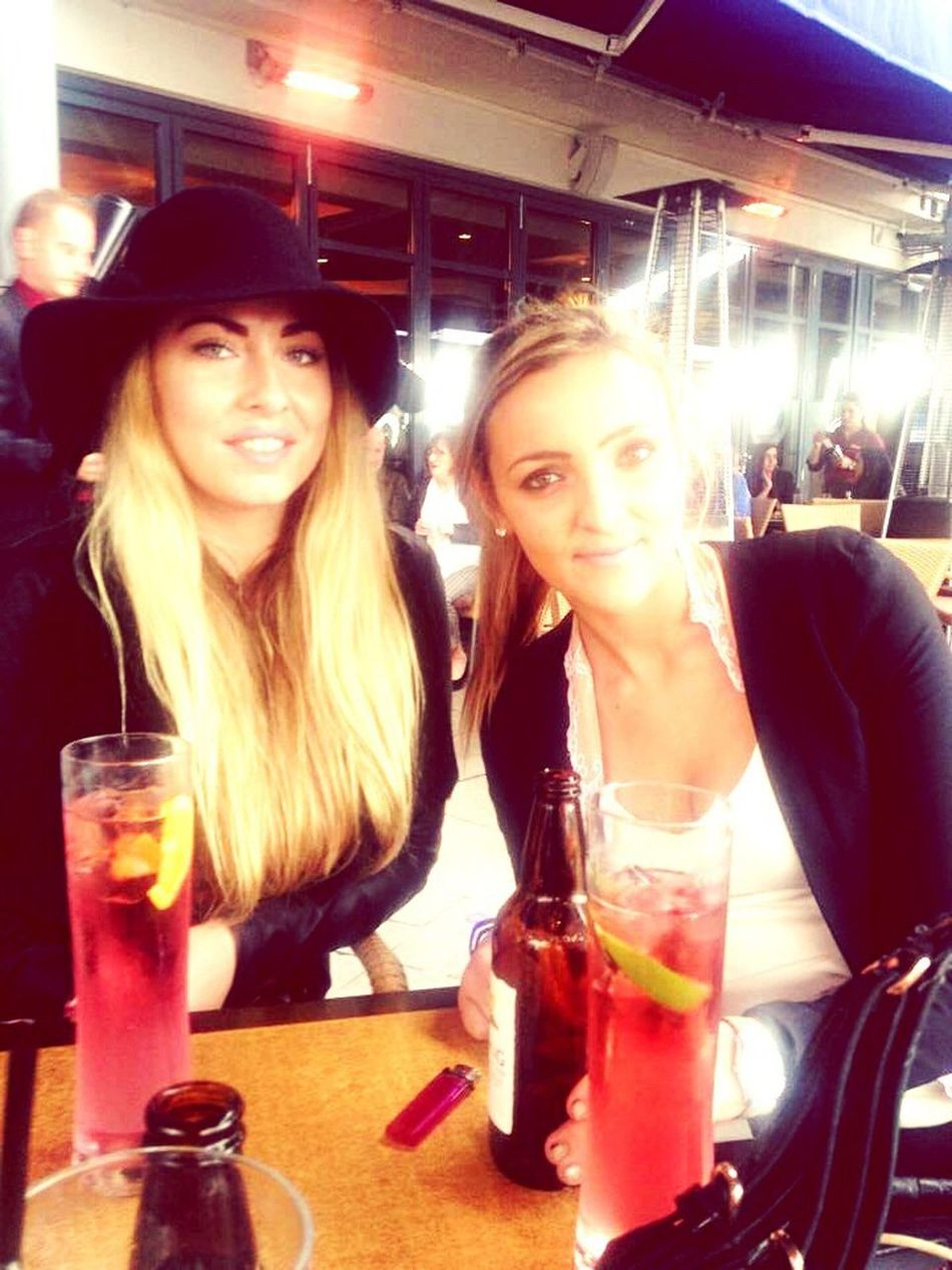 Loving some day dranks with Tishy DayDrinks Drinks Rekorderlig Hat Blonde Glam