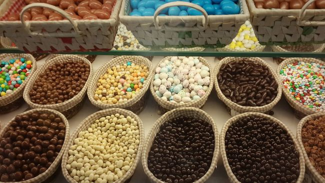 Chocolate 💕 Market Multi Colored For Sale Variation Large Group Of Objects Arrangement Collection Sale Chocolate Live Love Shop The Shop Around The Corner Candy Sweets Sweet Food Unhealthy Eating Choice In A Row Market Stall Chocolate Eggs Candy Store Shelf Order Abundance Retail Display Still Life