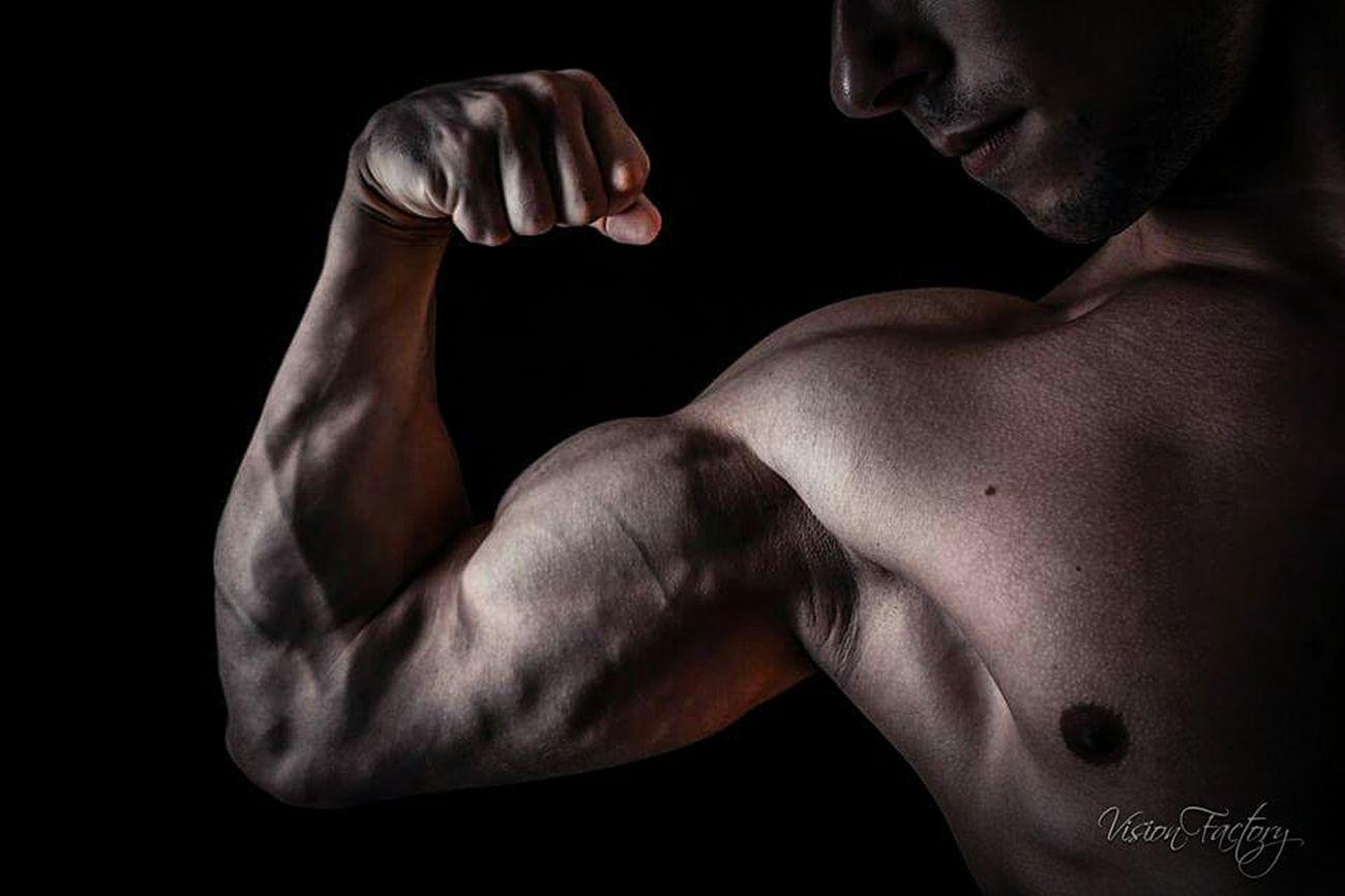 Culturisme Train Hard Athletics ✌ Athletes💪😸 Body & Fitness Workoutgym Train Hard! Workout Workout#gym#fitness BodybuilderLifeStyle