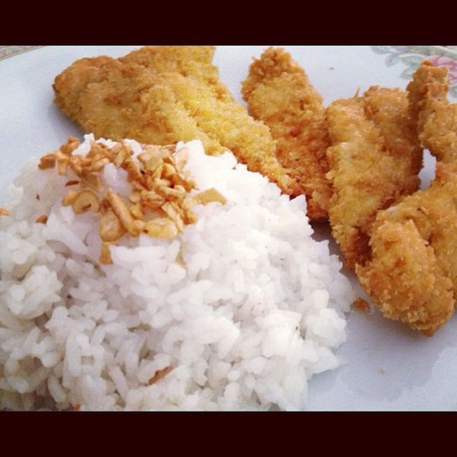 Good Morning! Lil' Boi's brekky. Chickenfillet