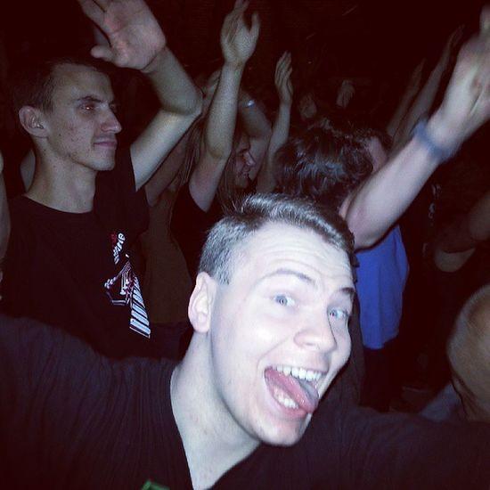 Człowiek Który Prawie Wczoraj zginął too much alkohol drugs sex with kasztan party hard concert @cineeeek