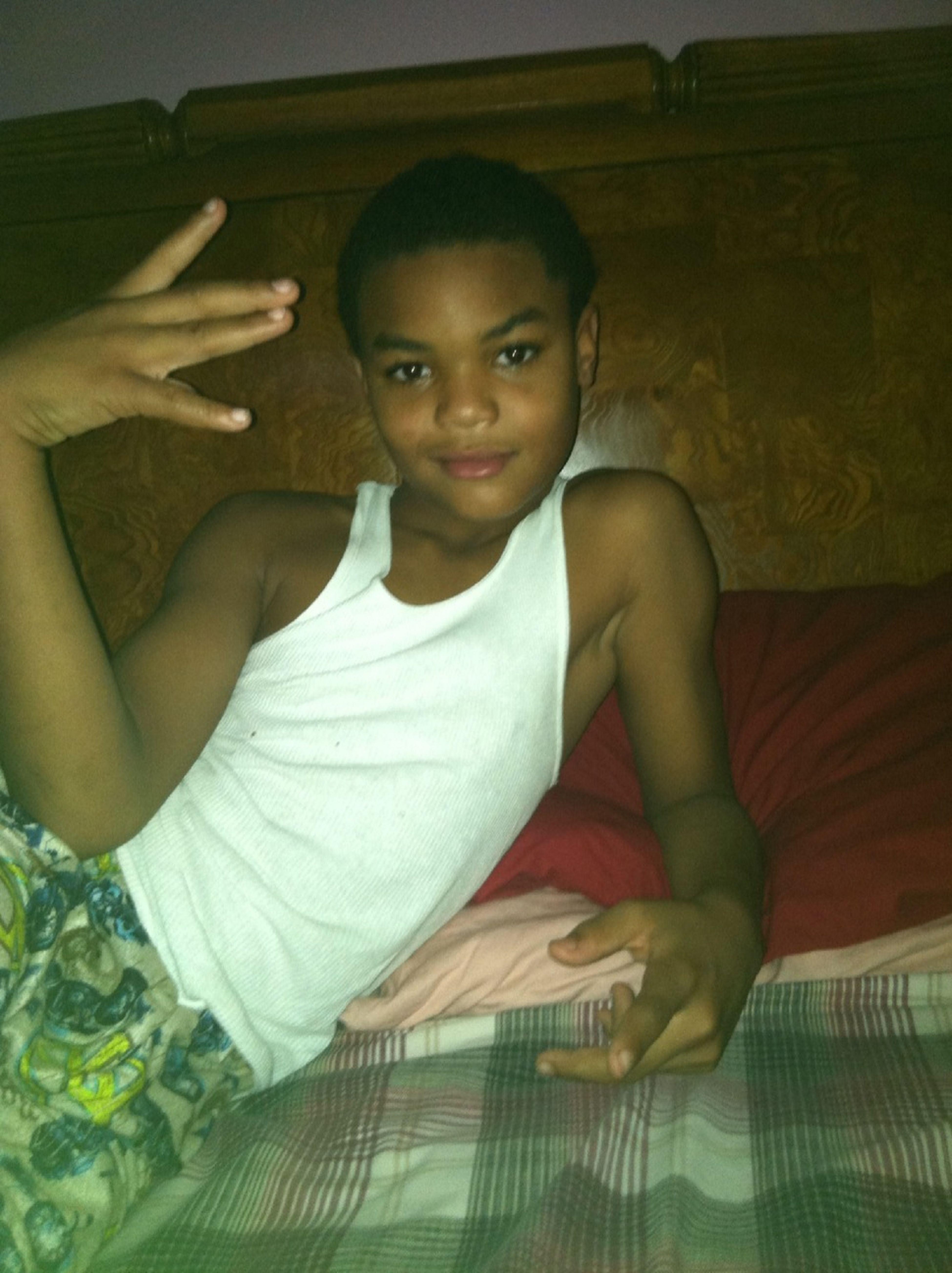 Cousin Lookin Fa A Girl So He Single