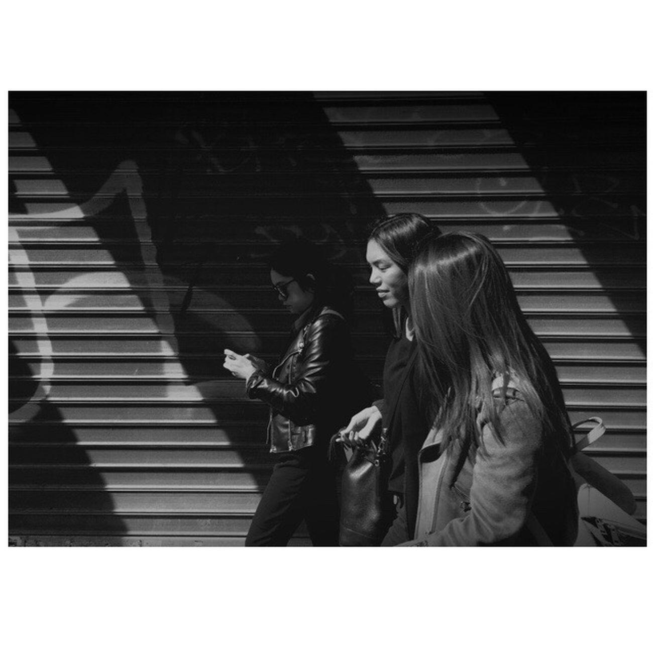 Mobilecameraclub Mobile Camera Club Black & White Streetphotography IPhoneography Paris Blackandwhite Taking Photos City Life Photo Photo Of The Day B&w Blackandwhite Photography AMPt - Shoot Or Die Smartphonephotography Parisian Lifestyles City Street EyeEm Best Shots Street_photo_club Everybody Street Everybodystreet The SmART Gallery Parisian Connexion Wearethestreet