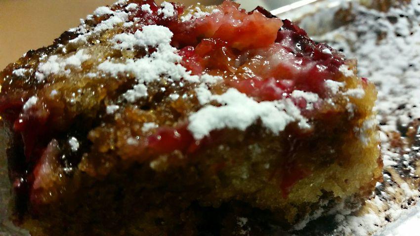 Summer Red Prunes coffee cake.. sweet dreams peeps🙋😗..💫🍒💫💫 My Smartphone Life Baking Foodporn Coffee Cake  In My Mouf The Five Senses EyeEm Best Shots - Macro / Up Close Foodgasm Home Made Cake Red