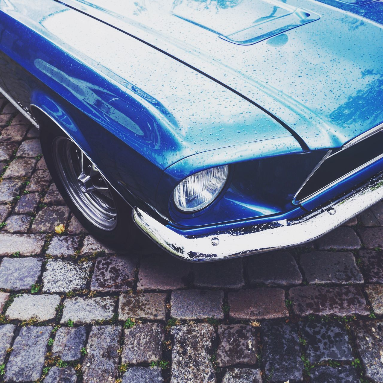 Rainy s u n d a y - Raindrops Cars Vintage Cars Transportation Mode Of Transport Close-up Old-fashioned Cropped Day Stationary Retro Styled Retro Style Vintage Blue Wave The Drive