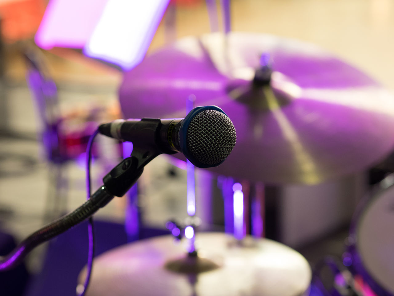 Close-up Day Indoors  Microphone Microphone Stand Music No People Performance Public Speaker Recording Studio Sound Recording Equipment Speech Studio Technology