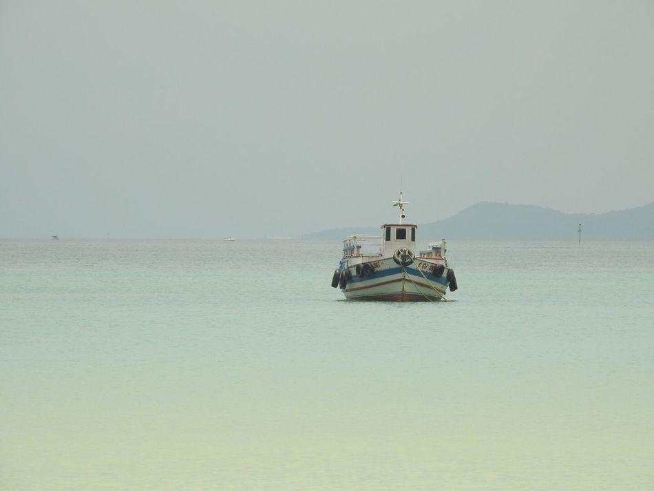 Verão: Bahia de Todos os Santos. Boat Salvador De Bahia Salvador Bahia Brasil ♥ BaiaDeTodosOsSantos Bahiadetodosossantos Verão Été