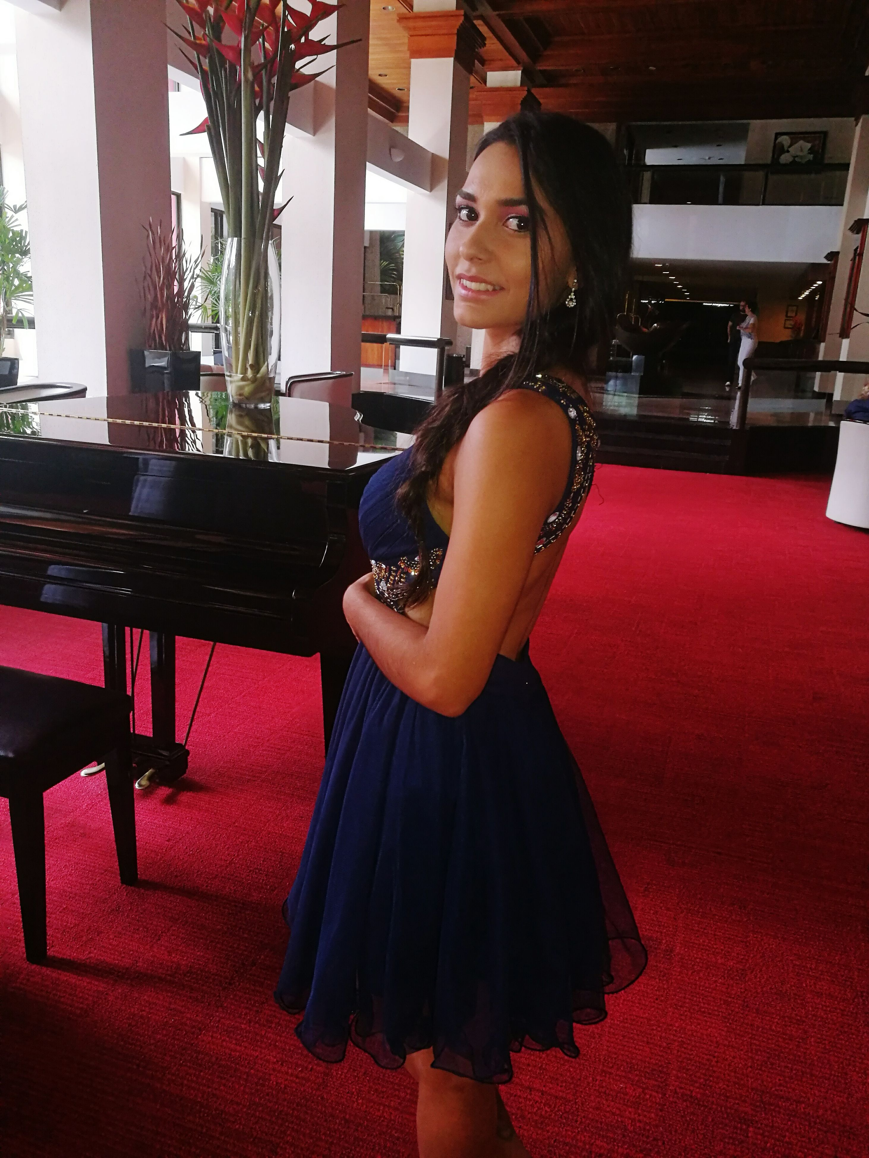 indoors, one person, piano, arts culture and entertainment, adults only, music, one woman only, beauty, people, adult, pianist, performance, only women, one young woman only, musical instrument, beautiful woman, young adult, day