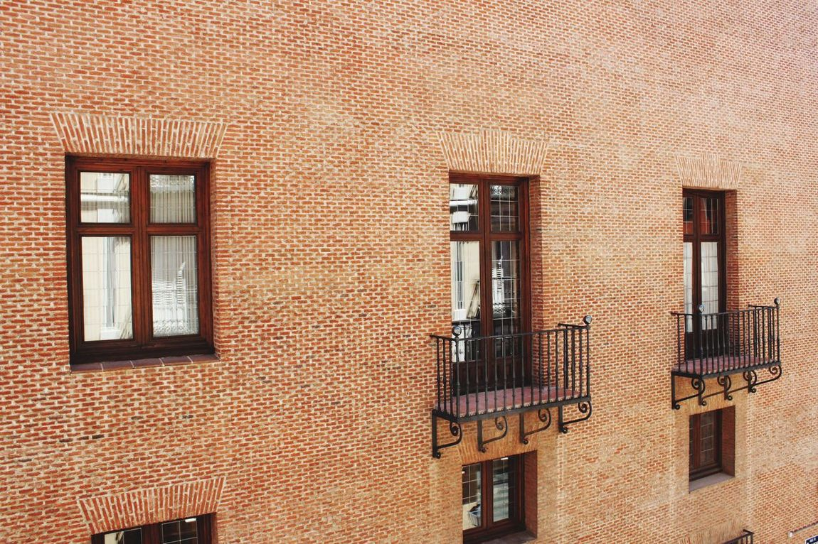 Window Windows Window View Window Reflections Windows_aroundtheworld Wall Wall - Building Feature Wallpaper Wallpapers Design Designing Background Backgrounds Background Texture Texture Textures And Surfaces Arquitecture Surfacedesign Brick Brick Wall Bricks Brick Building
