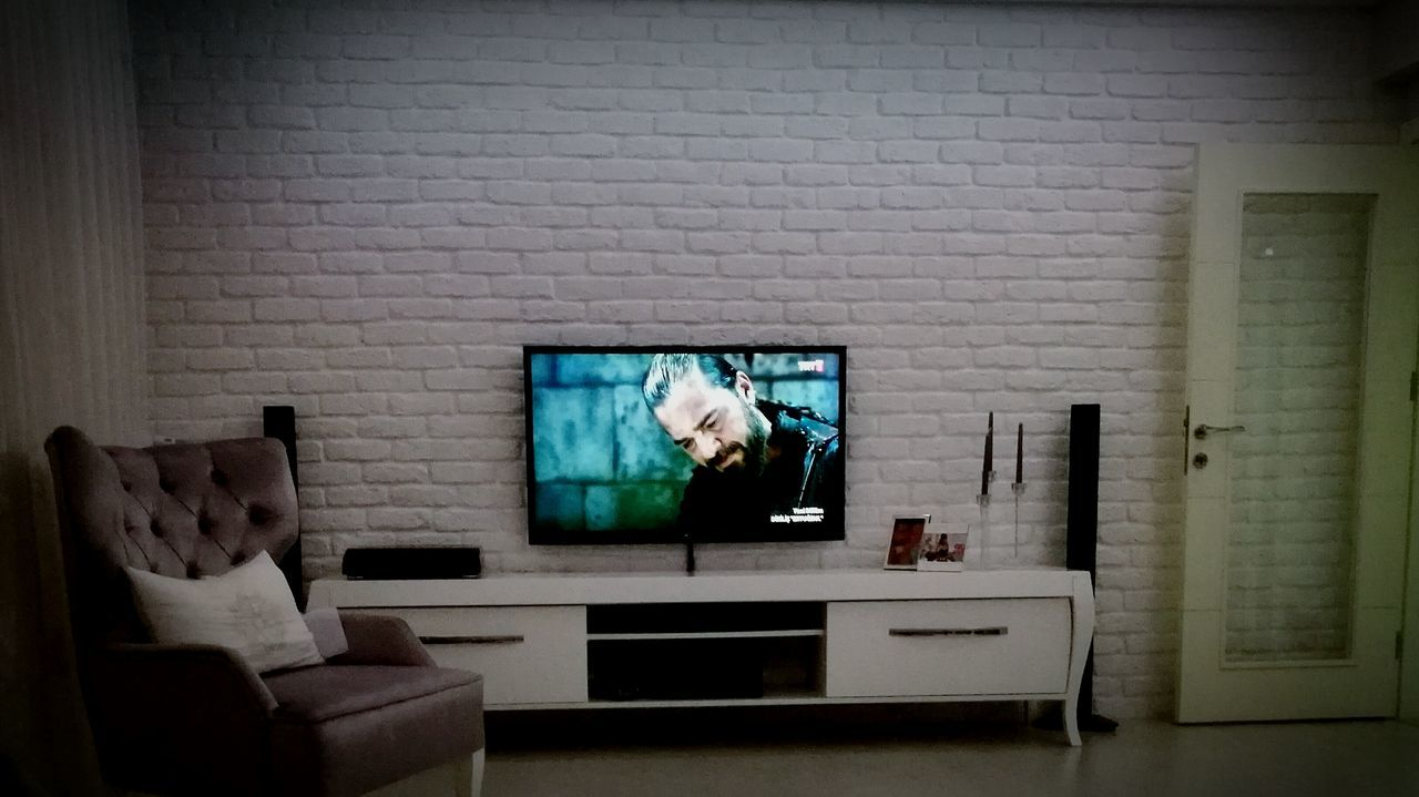 Television Set Living Room Indoors  Home Interior Domestic Room No People Projection Screen Watching Tv Technology Night Ertugrulgazi Ertuğrul Un Ocağı Ertugrul Dirilişertuğrul Dirilis Osmanlı Pusat
