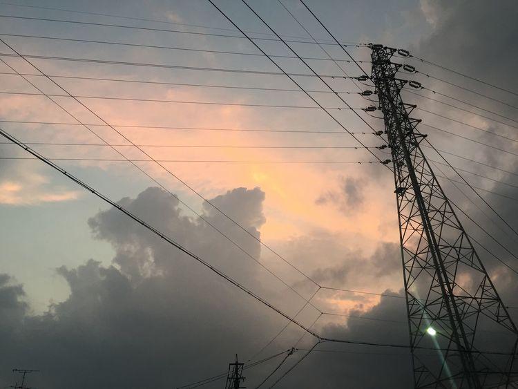 夕焼け Sunset 空 Sky 鉄塔 Pylon 電線 Electric Wires 雲 Clouds