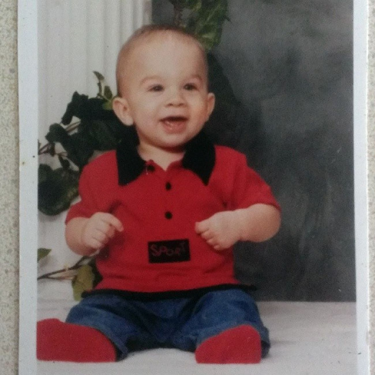 Flashback Friday to when I was a cute little baby. What happened to me? .__. FBF  Baby Babypicture Thisismyfavorite iusedtobecute wishiwasstillcute