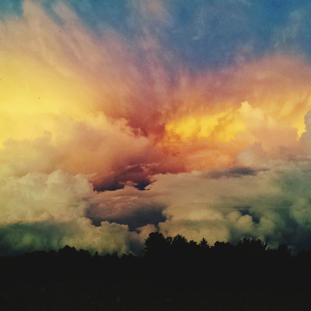 Storm Clouds Off To The Distance Storm Cloud God's Beauty Hi! Graveyard Beautyful Colours Other Worldly