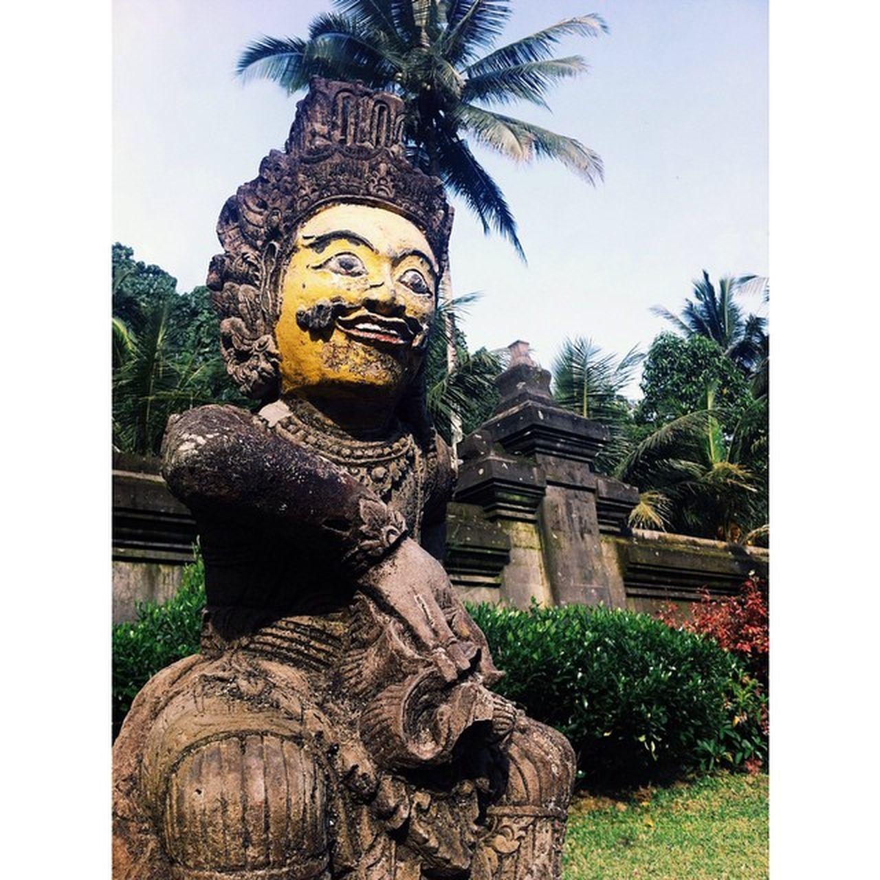 Holy gods at Tirta Empull Temple Bali Tirtaempul  Gods Holy Holywater  Palmtree Yellow
