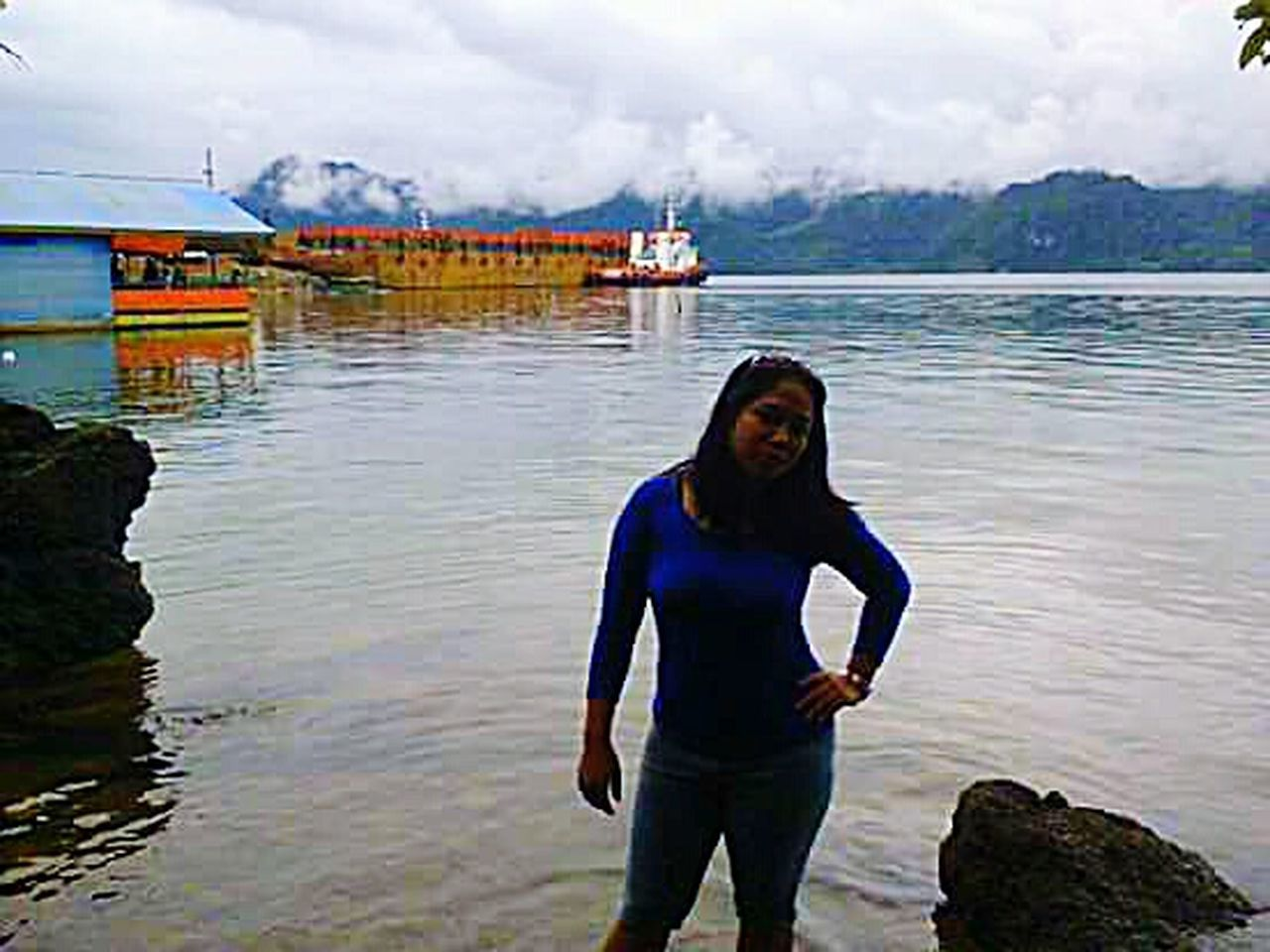 The Great Outdoors With Adobe Sea And Sky Sea View Sea Selfie ✌ My Favorite Photo EyeEm Best Shots House On The Sea Tugboat Tugboats On The Thames Mining Industry Harbour Harbour View MiningEyeEm Nature Lover That's Me Island EyeEmIndonesiaKu Mining Exploration Miningtown MiningIndonesia Central Sulawesi Kolonodale