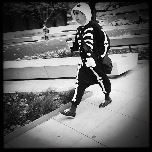 Dude that coffee is gonna go right through you. Eye4photography  Streetphotography Halloween Skeleton EyeEm Best Shots Happy Halloween Costume Chicago